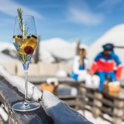 ein Cocktail im EVE alps